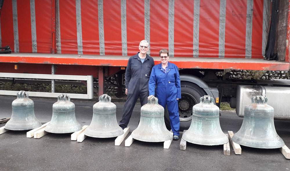 guy-and-sue-morton-with-the-bells