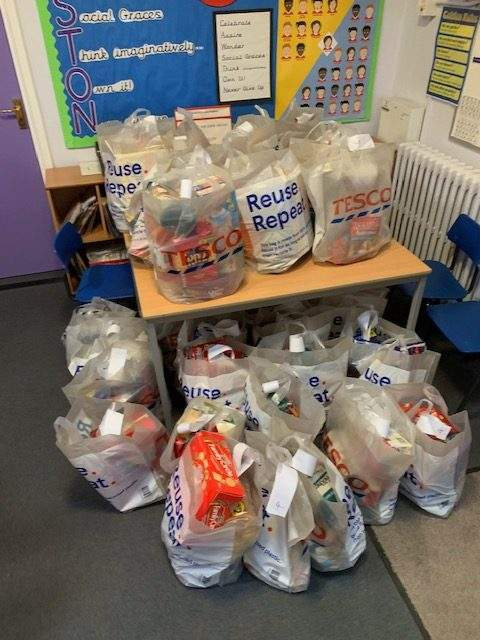 Food parcels in Caswton